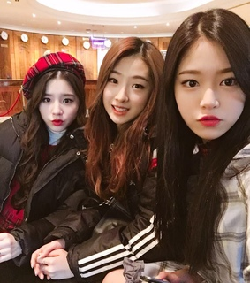 heejin, mixnine and ??