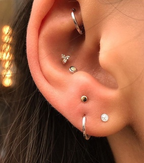 lobe piercings, jewellery and fashion