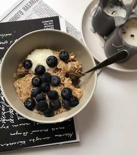 berry, blueberry and breakfast
