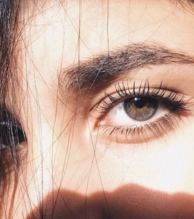eyes and عيٌون