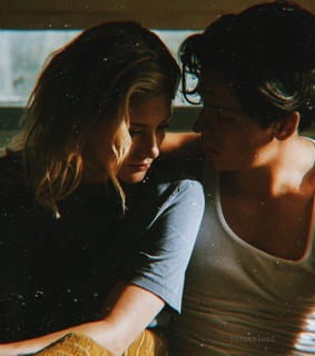 bughead, colesprouse and lilireinhart