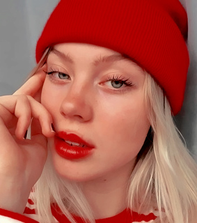 girl icon, red lips and makeup