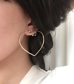 accessories, brunette and earring