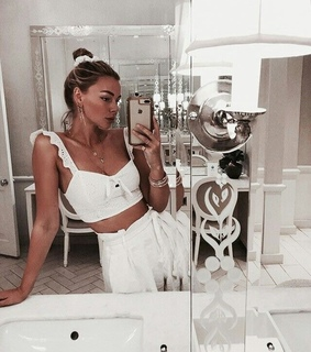 bathroom, beauty and chic