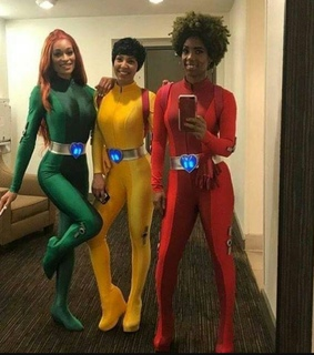 black girls, beautiful and totally spies
