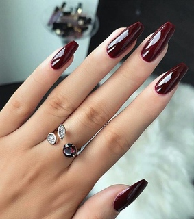 nails polish, beautiful and luxurious