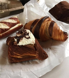 tasty, croissants and france
