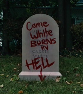 90s, carrie and hell