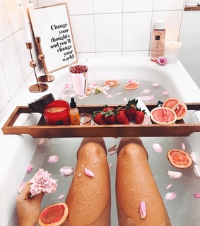 flowers, quotes and bath