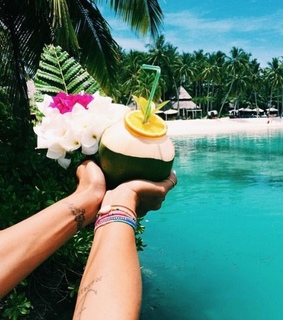 FRUiTS, coco and coconut