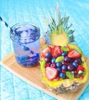 FRUiTS, beach and blueberries