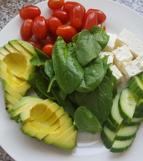 avocado, chees and cherry tomatos