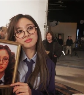 im nayeon, kpop lq and what is love
