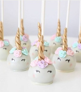 party, unicorns and cake pops
