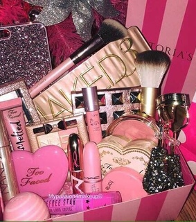 Victoria's Secret, beauty and gifts