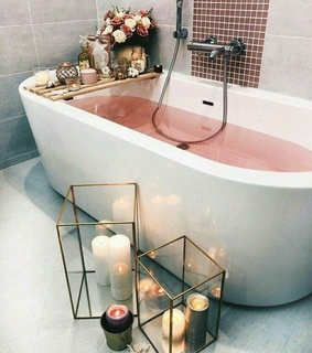 bathtub, candles and interior