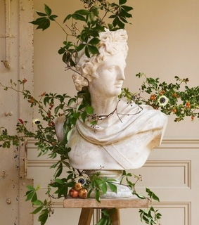 statues, nature and plants