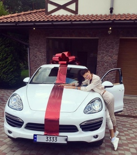 car, expensive and gift