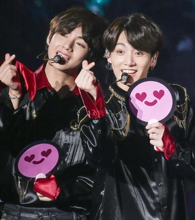 heart, jungkook and taehyung