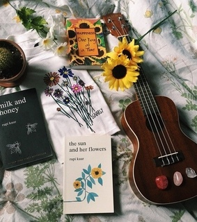 reading, beautiful and daisies