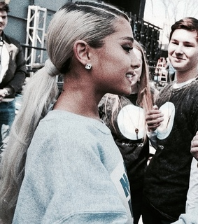marchforourlives, rp theme and ariana filtered