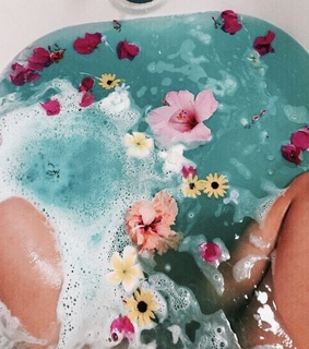 aesthetic, bath bomb and bright