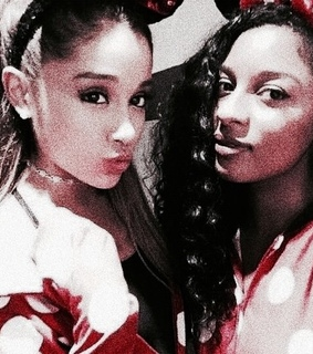 ariana filtered, ariana grande and best friends