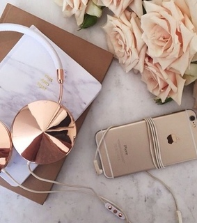 iphone, headphones and flowers