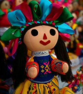 muneca, travel and cultura