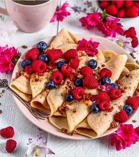 FRUiTS, berries and blueberries