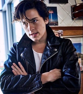 cole sprouse and riverdale