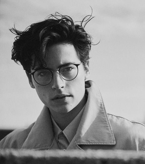 celebrities, cole sprouse and glasses
