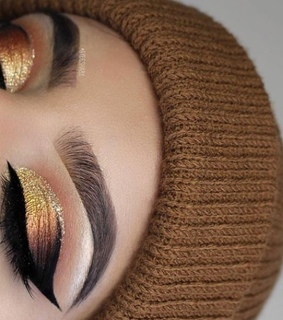 gold, eyemakeup and pretty