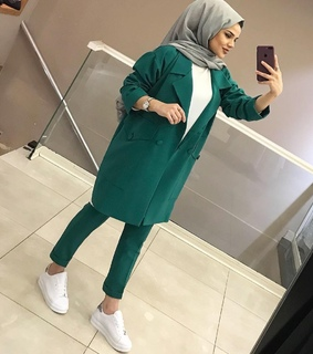 suit, hijabista and modesty