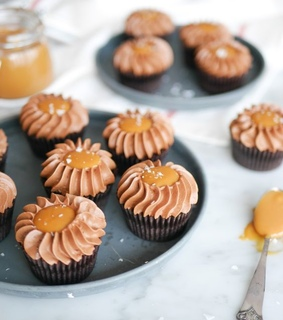 caramel, delicious and cupcakes