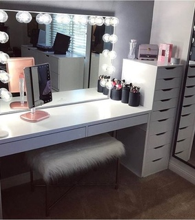 chic, lights and organize