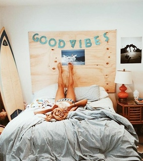 bed, surfboard and beach