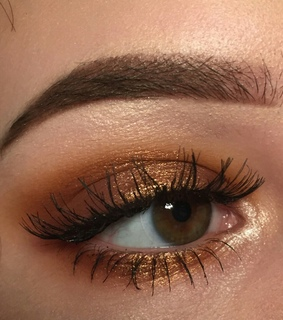 brown, lashes and warm tones