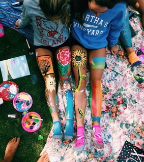painting, bucket list and leg painting