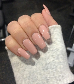 glam, Nude and nails