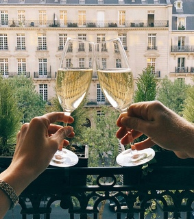 travel, gold and champagne