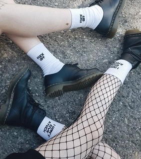 pale, black and grunge aesthetic