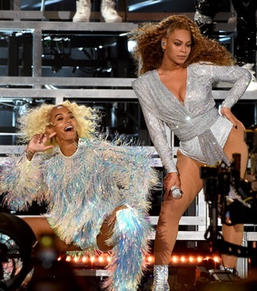 beyonce knowles, mrs carter and bey