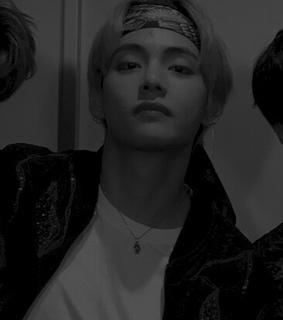 psd, taehyung and b&w