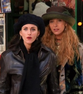 friends, monica and phoebe