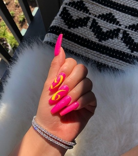 nails goals, want and pink nails