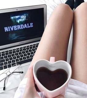 tv shows, netflix and riverdale