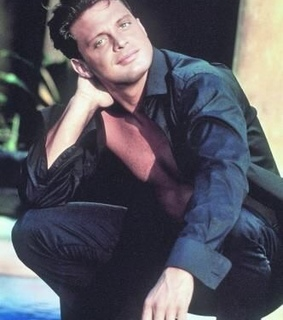 style, luis miguel and 90's