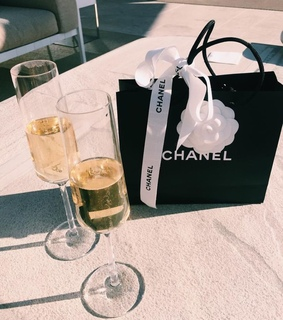 girls, diamonds and chanel