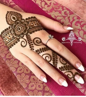 girly, hands and henna